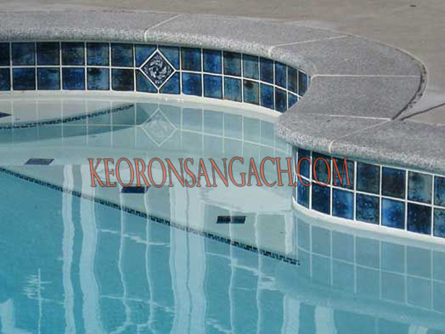 Ron gạch trang trí hồ bơi