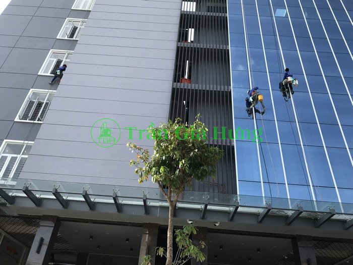 Tổng vệ sinh tòa nhà sau xây dựng